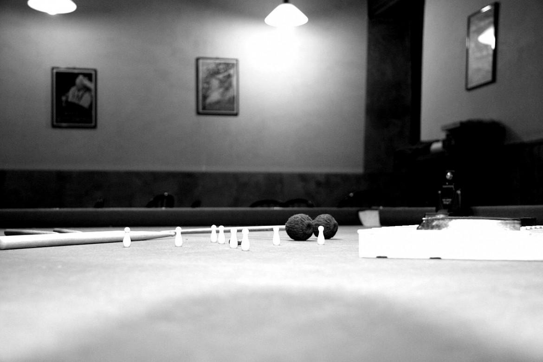 biliardo black and white